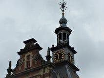 Vorzügliche Architektur von Amsterdam, von Steinfassaden und von Gestaltungselementen Reisen zu Europa stockbilder