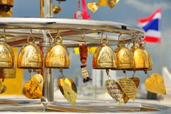 Votive goldene Glocken Lizenzfreie Stockfotografie