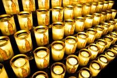Votive kaarsen in Notre Dame Stock Afbeeldingen