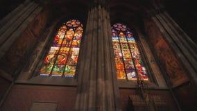 Votive kyrka, neo-gotisk kyrka, denmest h?gv?xta kyrkan i Wien Inre av den kyrkliga insidan arkivfilmer