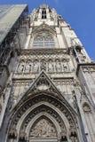 Votivkirche - Neo-gotisk kyrka (Wien/Österrike) Royaltyfri Foto