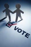Voto ed uomini Chain del documento Immagini Stock Libere da Diritti