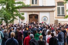Voto rumano de la di?spora fotografía de archivo libre de regalías
