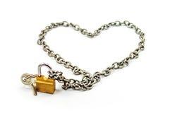 Votre amour est cerf sûr avec la chaîne et le cadenas Photographie stock libre de droits