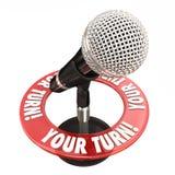 Votre microphone de tour parlent l'opinion donnent des mots de rétroaction Photos stock