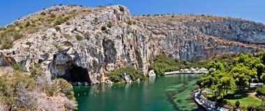 Vouliagmeni termisk Lake, Athen, Grekland Arkivfoton