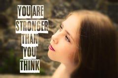 Vous êtes plus fort que vous pensez l'illustration de carte de lettres Images libres de droits