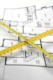 Vouwmeter en architecturaal plan royalty-vrije stock afbeelding