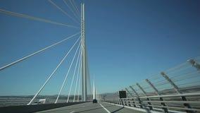 Voyage à travers le pont de Millau clips vidéos