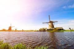 Voyage aux Pays-Bas La Hollande traditionnelle - moulins à vent dans Ki image libre de droits