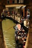 Voyage avec la gondole - Venise Photo libre de droits