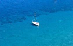 Voyage bleu sur la mer Égée/Marmaris - le Kumlubuk Image libre de droits