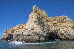 Voyage de bateau dans l'Algarve Images stock