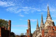 Voyage de voyage le jour ensoleillé et ciel bleu en Thaïlande Image stock