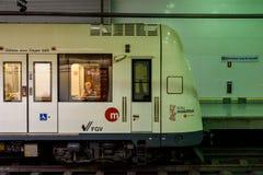 Voyage de personnes en le métro dans Valencia City du centre Image stock