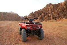 Voyage de quarte en montagnes de Sinai Photographie stock libre de droits