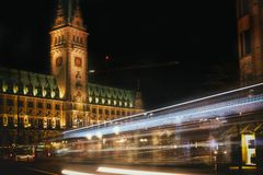 Voyage de tourismus de platz d'exposition de temps de rathaus de Hambourg image stock