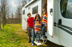 Voyage de vacances de famille dans le motorhome Images libres de droits