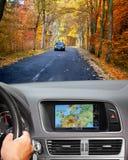 Voyage en la voiture avec le système de navigation Photo stock