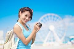 Voyage heureux de femme Photos stock
