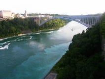 Voyage inoubliable d'été aux chutes du Niagara Photo libre de droits