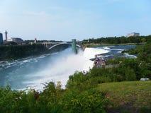 Voyage inoubliable d'été aux chutes du Niagara Photographie stock libre de droits