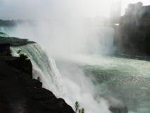 Voyage inoubliable d'été aux chutes du Niagara Photos stock