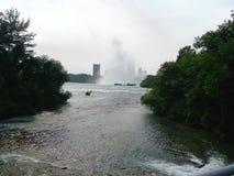 Voyage inoubliable d'été aux chutes du Niagara Cascade Image stock