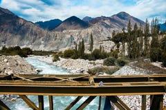 Voyage par la route à Turtuk, Leh, Inde image stock