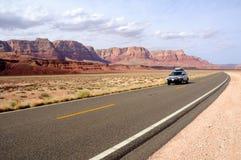 Voyage par la route par le national vermeil Monume de falaises photos stock