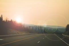 Voyage par la route rose photographie stock