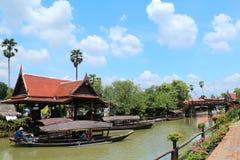 Voyage thaïlandais aux marchés de l'eau images stock