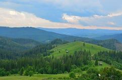 Voyage vers la Roumanie : Les fermes dispersées de Bucovina Photos libres de droits