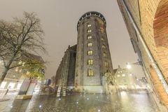 Voyageant dans le célèbre la tour ronde, Copenhague Photos libres de droits