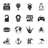 Voyagent l'ensemble universel de 16 icônes pour le Web et le mobile Photo libre de droits