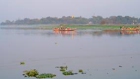 Voyages sur le lac Thaungthaman, Mandalay, Myanmar clips vidéos