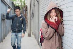 Voyageur thaïlandais d'amant dans Hutong photo libre de droits