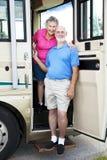 Voyageurs aînés dans le rv Image stock