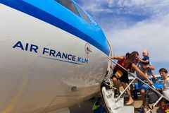 Voyageurs embarquant Air France KLM Cityhopper Photographie stock