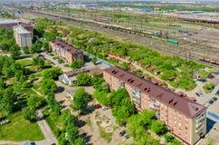 Voynovka-Eisenbahnknoten Wiedergabe 3d auf Hintergrund des blauen Himmels Tyumen Stockfoto