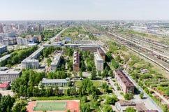 Voynovka-Eisenbahnknoten Wiedergabe 3d auf Hintergrund des blauen Himmels Tyumen Stockfotografie