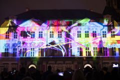 Voz das figuras videomapping claro no quadrado de cidades velho em Praga durante o festival 2016 da luz de sinal Fotografia de Stock