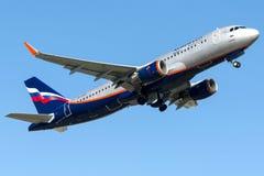 VP-BCA Aeroflot, Airbus A320 - 200 Stockfotos