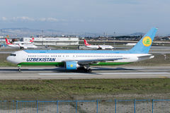 Vp-BUE Uzbekistan Airways Boeing 767-375 Stock Afbeeldingen
