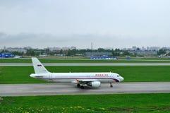 VP-BWI Rossiya航空公司空中客车A320-214飞机在跑道乘坐为起飞做准备在普尔科沃机场 免版税库存照片