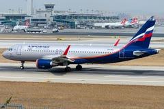 VQ-BSJ Aeroflot, Airbus A320-214 Lizenzfreies Stockfoto