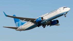 VQ-BTI Pobeda, Boeing 737-800 Fotografering för Bildbyråer
