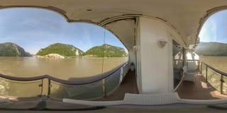360VR ταξιδεύοντας μέσω της πύλης σιδήρου στον ποταμό Δούναβη στοκ εικόνα με δικαίωμα ελεύθερης χρήσης