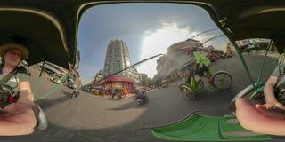 360VR του τουρίστα στο κυκλο ταξί στη Πνομ Πενχ Καμπότζη στοκ εικόνα