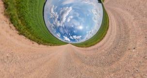 ??VR 一点行星变革空间曲度  抽象扭力和转动在坟墓的充分的定点飞越全景风景 影视素材